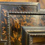 Antica cornice guilloche XVII secolo ebanizzata con inserti in tartaruga – 003