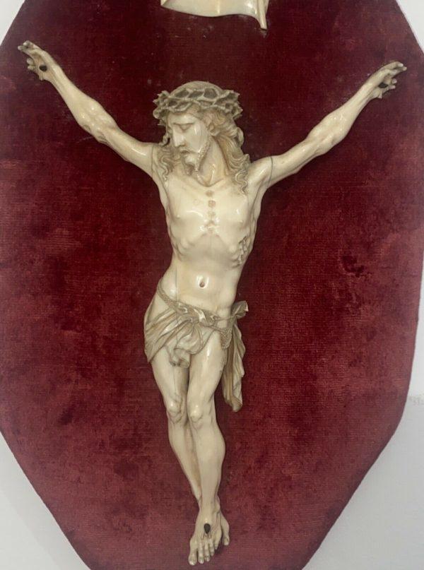 Antico Cristo in avorio scolpito del 1700 - 002