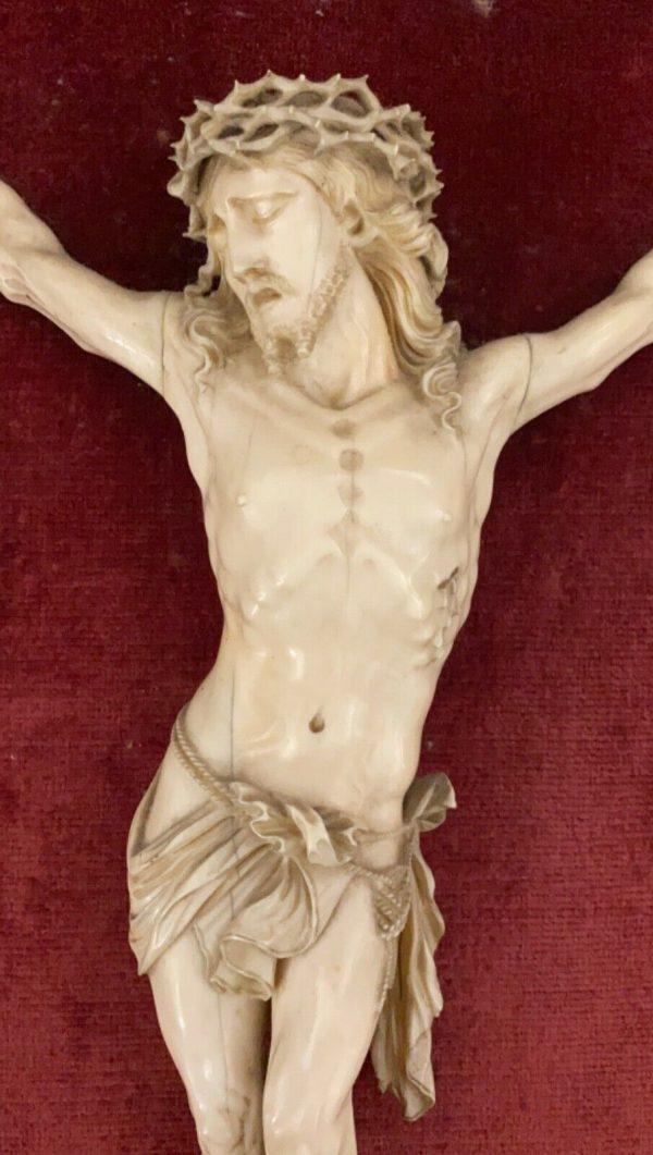 Antico Cristo in avorio scolpito del 1700 - 003