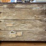 Antico canterano lombardo del 1600, lastronato in noce, filettato ed intarsiato – 002