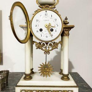 Antico orologio a pendolo in bronzo dorato e marmo del XIX secolo '800 - 002